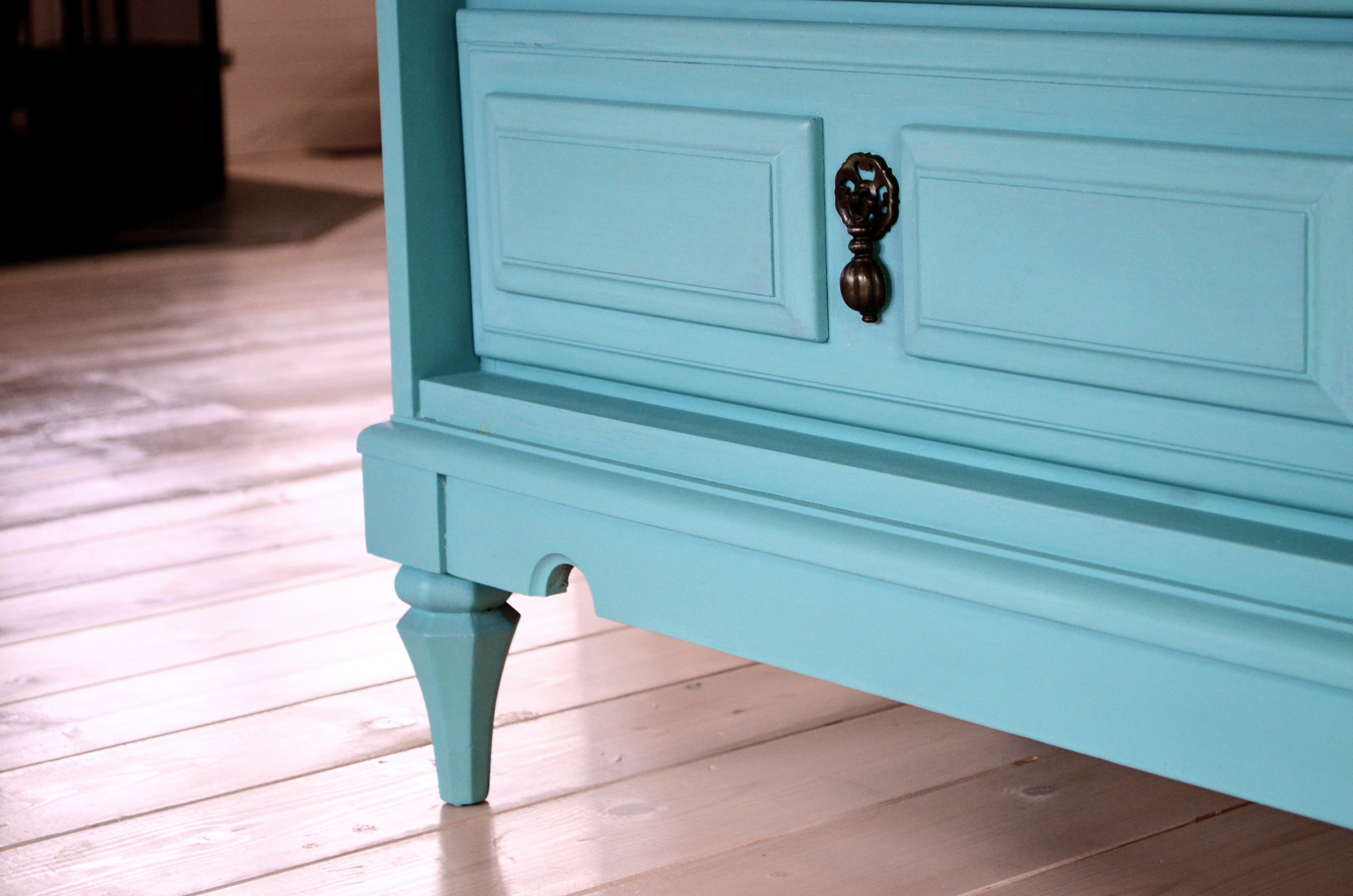 How To Wax Furniture After Chalk Paint