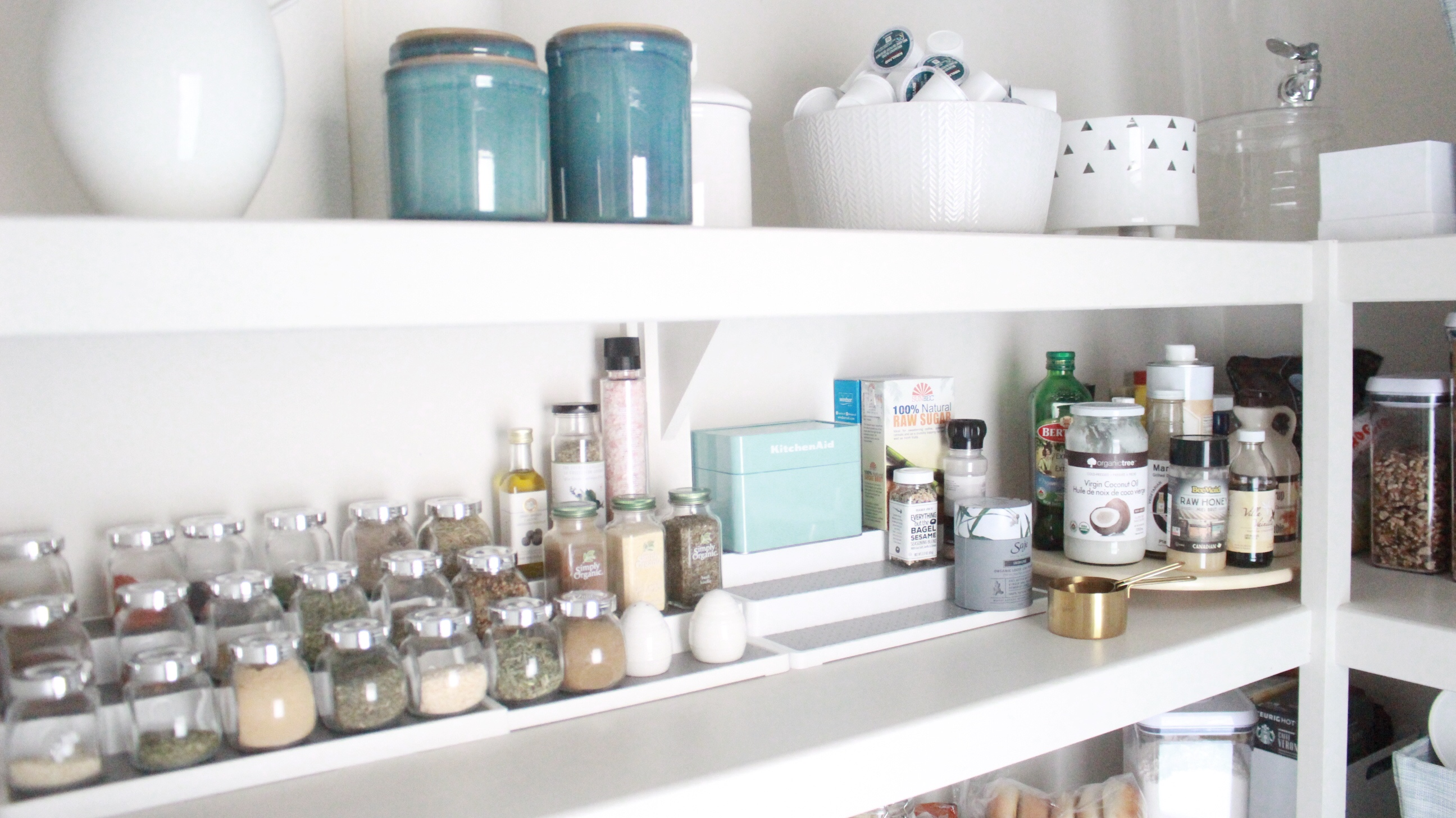 How to organize make your pantry pretty without spending a fortune i realize it helps if you actually have a decent size pantry so if you have limited space and have to use a cupboard for your pantry items some of these solutioingenieria Images